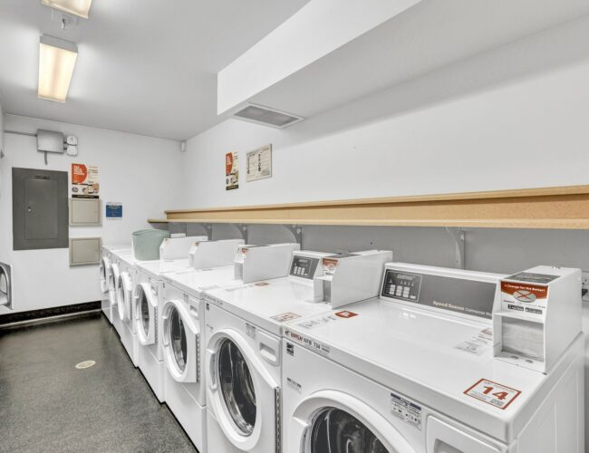 Rainier_Place_Laundry_area